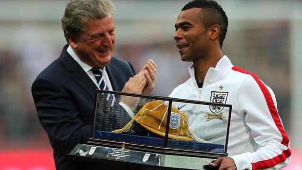 阿什利 - 科尔退役的形式 - 英国 - 世界 - 杯队