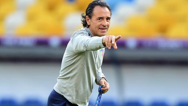 切萨雷 - 普兰德利 - 意大利教练